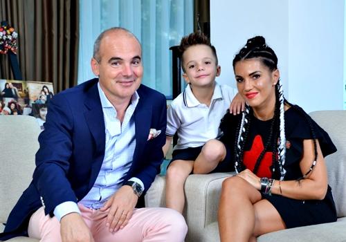 Rares Bogdan Picture: ALERTA! Sotia Si Copilul Jurnalistului Rares Bogdan